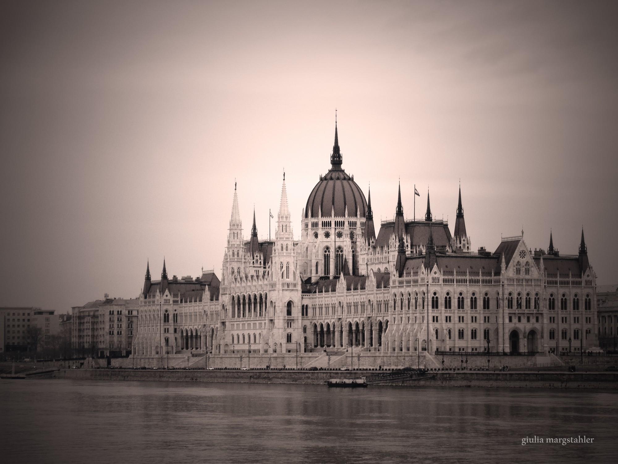 sito di incontri di Budapest siti di incontri online gratis Kenya