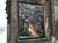 La statua di San Giovanni Nepomuceno sul Ponte Carlo